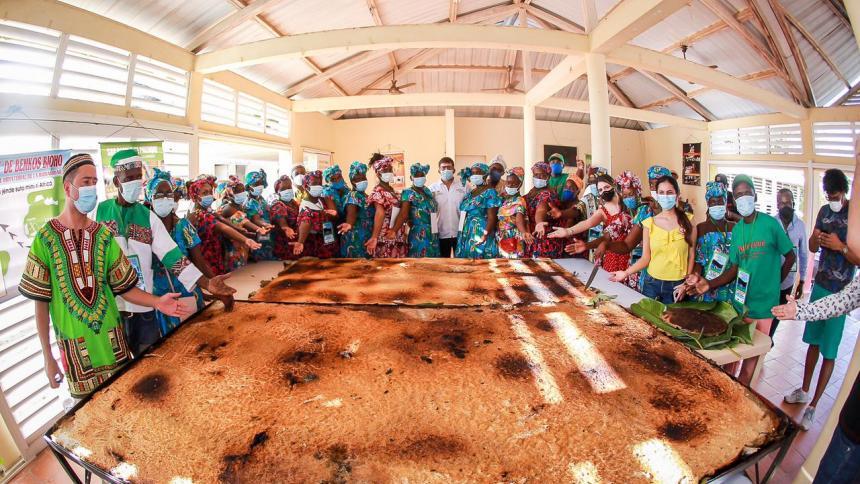 En San Basilio de Palenque se hizo el enyucado más grande del mundo