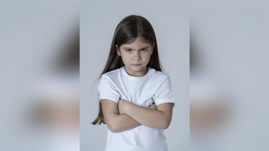 La rebeldía está relacionada con el  ambiente del niño.