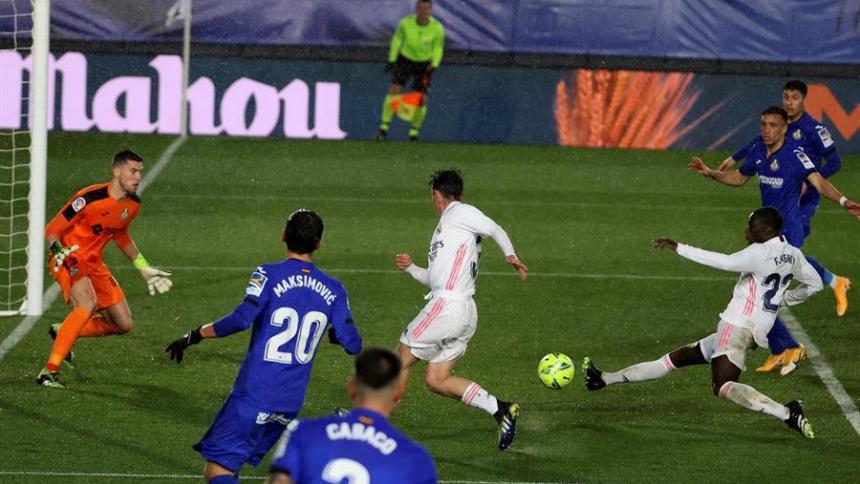 El Real Madrid vence por 2-0 al Getafe.