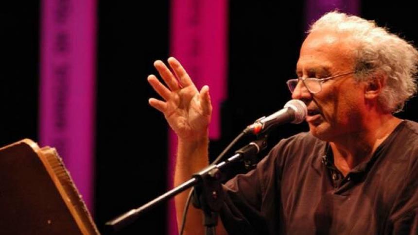 Por su trabajo desde los años setenta, Stefano Benni es uno de los escritores vivos más populares de Italia.