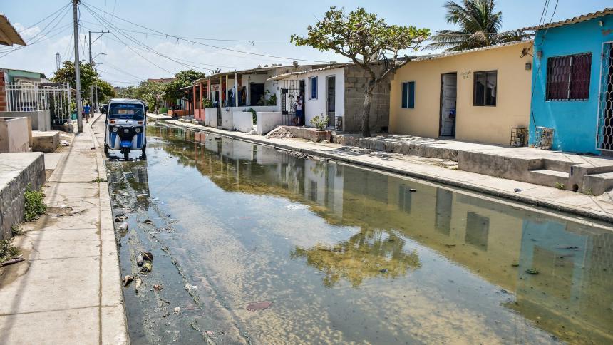 Preocupación por estancamiento de aguas residuales en La Playa