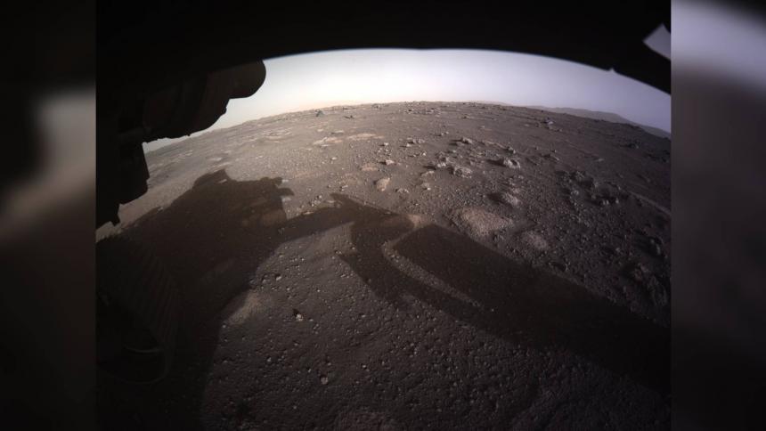 Una de las primeras imágenes que compartió el Perseverance a su llegada a Marte.