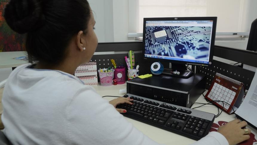 Abren convocatorias para trabajar en el exterior