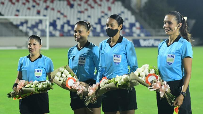 Barranquilla-Huila, partido histórico para el arbitraje femenino colombiano