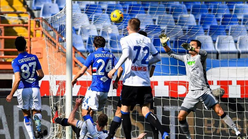 Acción del segundo gol en el duelo entre Atalanta y Sampdoria.