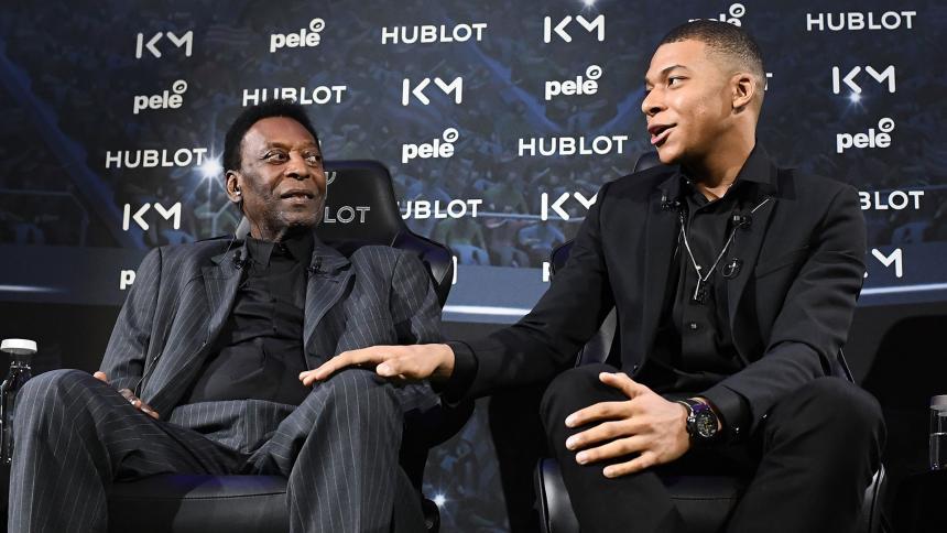 Pelé y Mbappé compartieron tiempo en un evento publicitario.