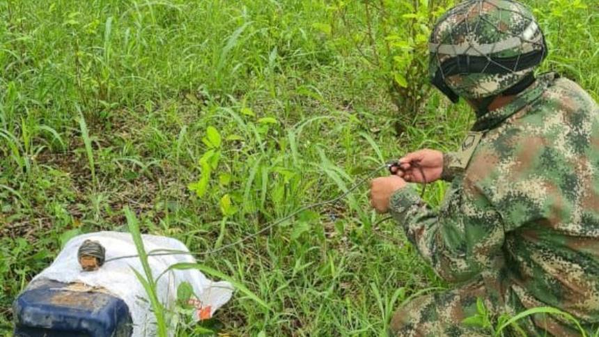Un soldado consigue 124 kilos de explosivos y material de guerra en Nariño.