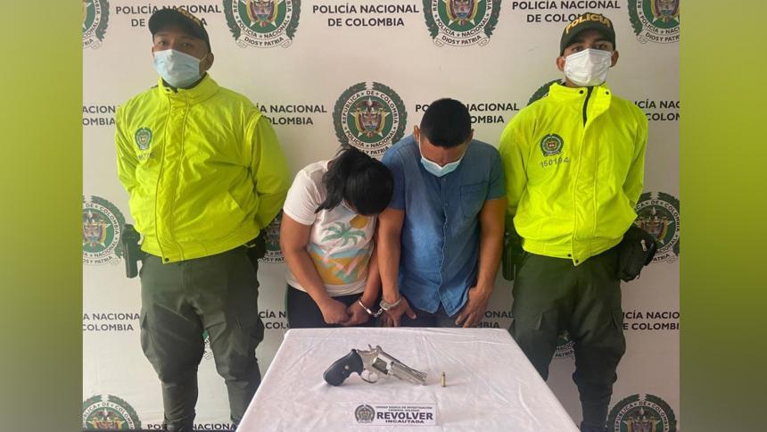 Juana Villa Páez y Helvis Oliveros Hernández, capturados.