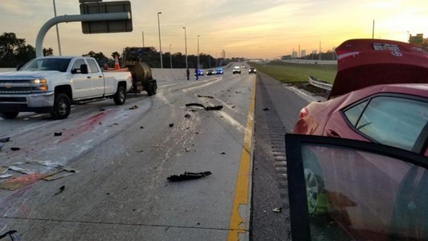 Un motociclista y un oso chocan en una carretera y mueren los dos