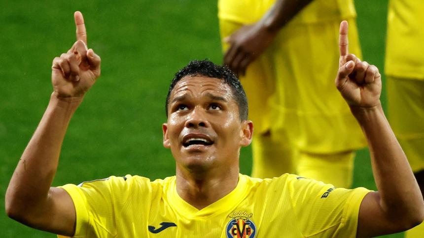 Carlos Bacca anota en la victoria de Villarreal 3-1 ante Eibar