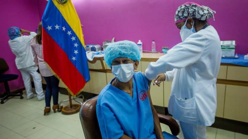 """Maduro decreta un """"cerco sanitario"""" en Caracas por expansión de la covid-19"""