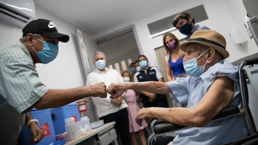 """""""La vacunación es una victoria frente a esta enfermedad"""": Duque"""