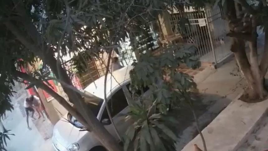 Atracador agrede a golpes a una mujer en Soledad