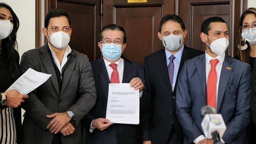 Gremios médicos anuncian movilización para hundir reforma a la salud