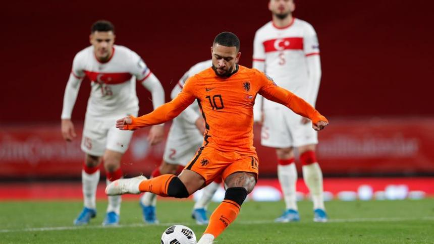 Países Bajos sale goleado 4-2 de Turquía: Burak Yilmaz anoto triplete