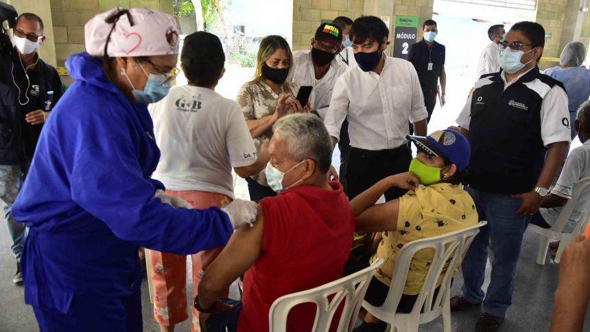 Barranquilla superó meta diaria en vacunación COVID-19