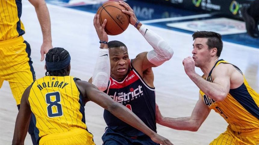 Russell Westbrook consiguió otro triple-doble histórico