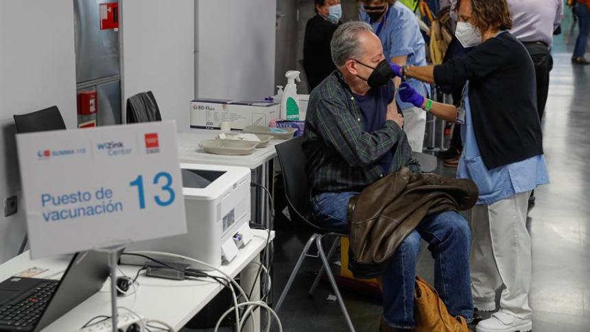 OMS no logra objetivo de iniciar la vacunación en todo el mundo en 100 días