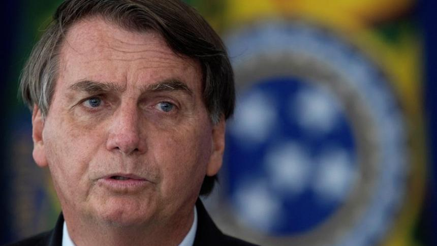 Bolsonaro rechaza confinar a Brasil