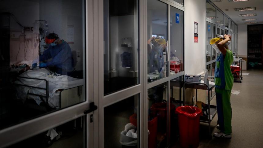En un mes, 14 médicos y auxiliares de enfermería han fallecido en el Atlántico