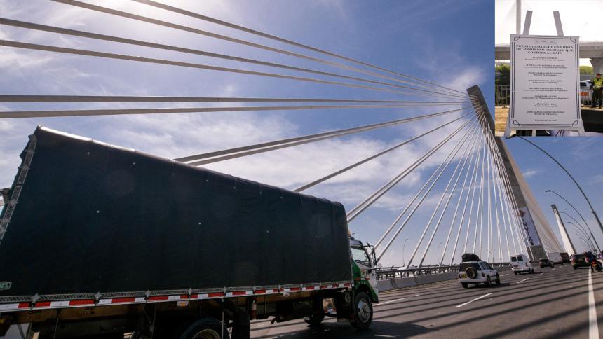 Ordenan retiro de la placa conmemorativa del nuevo puente Pumarejo