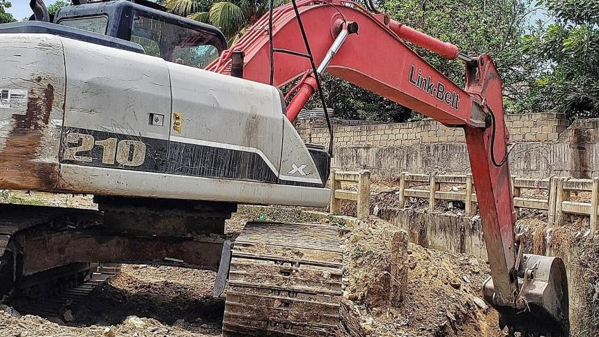 Basuras causan taponamiento en cauces de arroyos