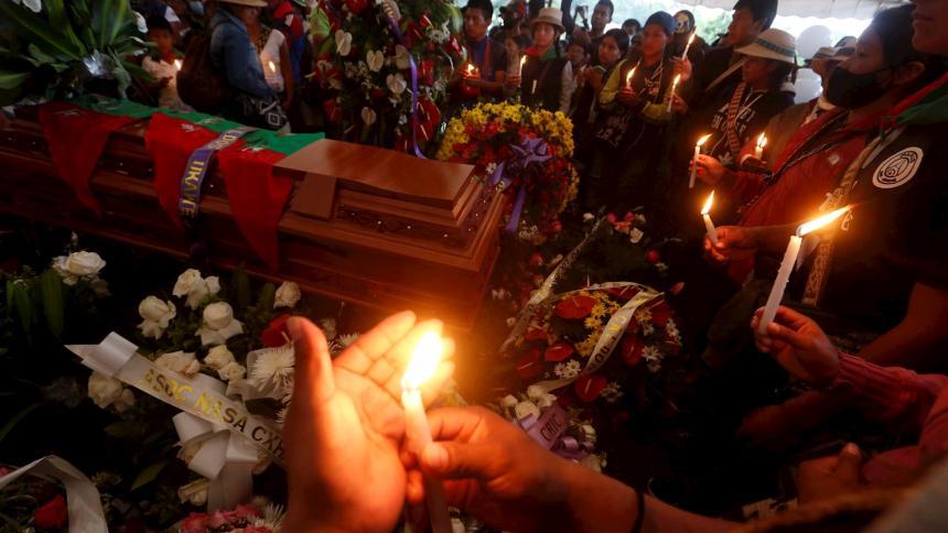 """Personas """"siembran"""" cuerpo de líder indígena asesinada en Caldono"""