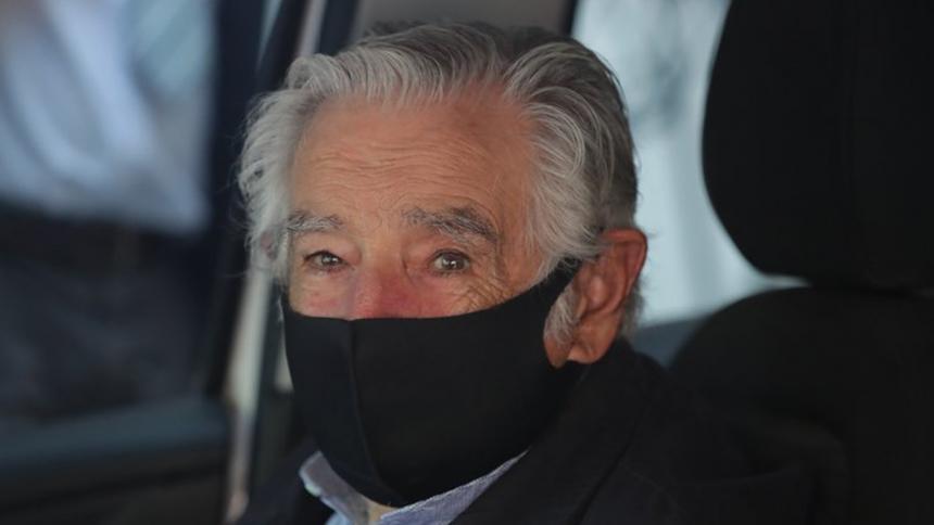 Pepe Mujica fue dado de alta tras endoscopia en la que se halló úlcera de esófago