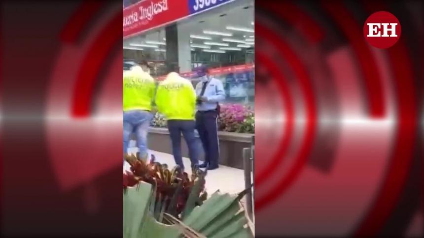 Policía captura a vigilante por millonario robo en Country Plaza
