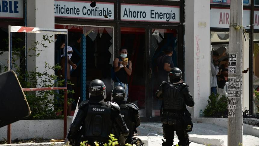 Grupo que atacó locales en la 53 no estaba en la marcha