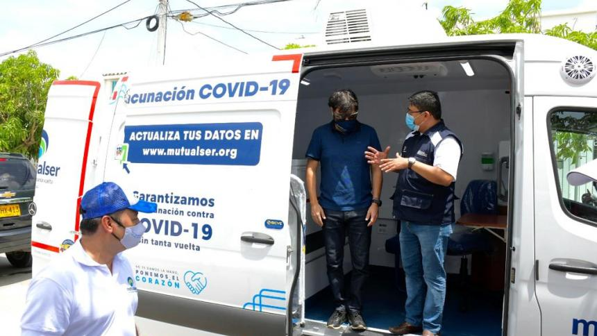 Distrito habilita punto de vacunación itinerante en Villas de San Pablo