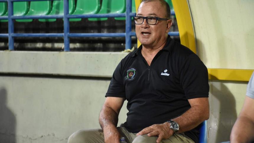 Alberto Suárez no es más técnico de Jaguares
