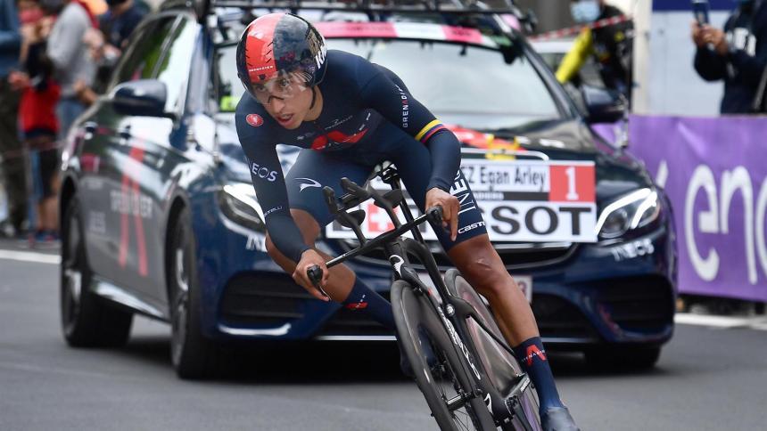 Egan Bernal segundo en la sexta etapa del Giro de Italia