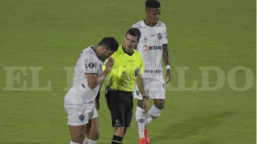 América vs. Atlético Mineiro, en medio de gases lacrimógenos