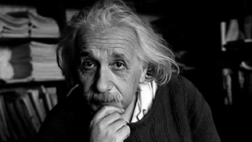 Una carta manuscrita con ecuación de Einstein es subastada por 1,2 millones