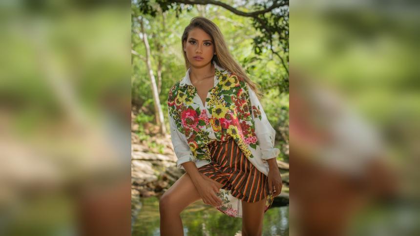 Jirley Peñaranda,una modelo 'petit' que sueña con posar para los lentes internacionales