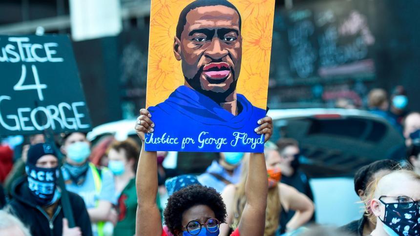 Familia de George Floyd crea un programa de ayudas a la comunidad negra