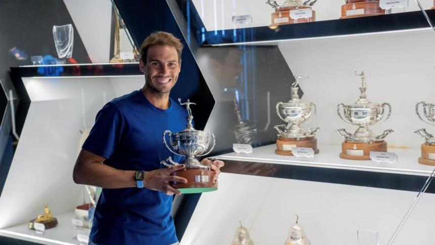 Nadal exhibe en su museo de Manacor los trofeos de Barcelona y Roma