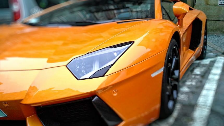 Ayunó más de un mes para que Dios le regalara un Lamborghini
