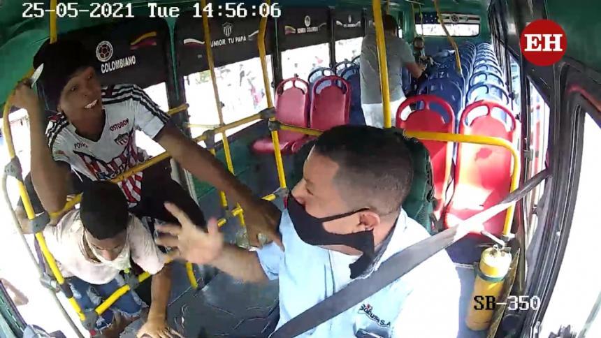 Impactantes videos de atracos a buses en el suroriente de Barranquilla