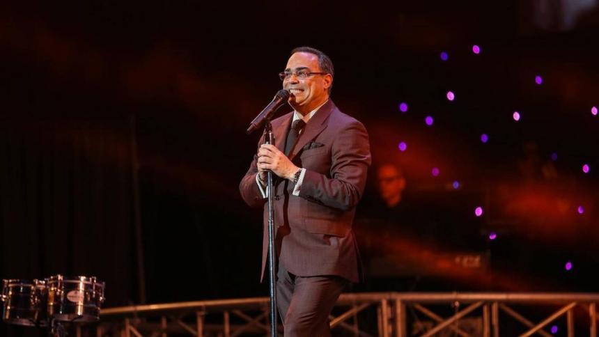 Gilberto Santa Rosa ofrecerá concierto con público en vivo