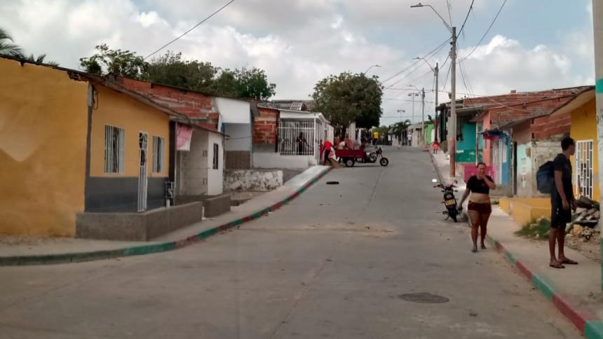 Asesinan a un hombre en la puerta de su casa en el barrio Evaristo Sourdis