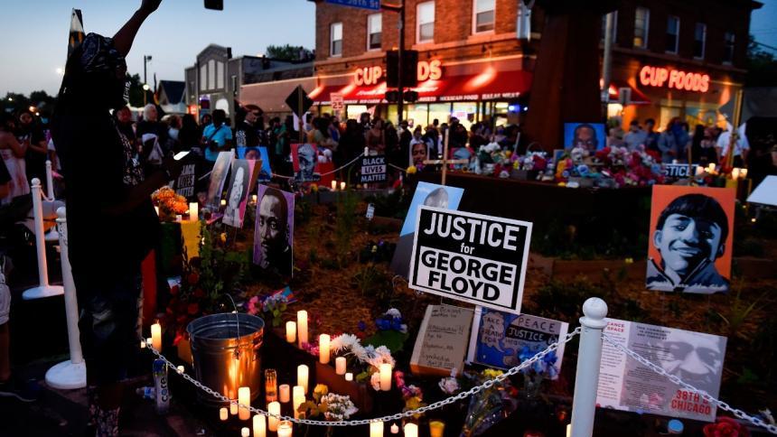 Fiscales piden 30 años para el expolicía que mató a Floyd