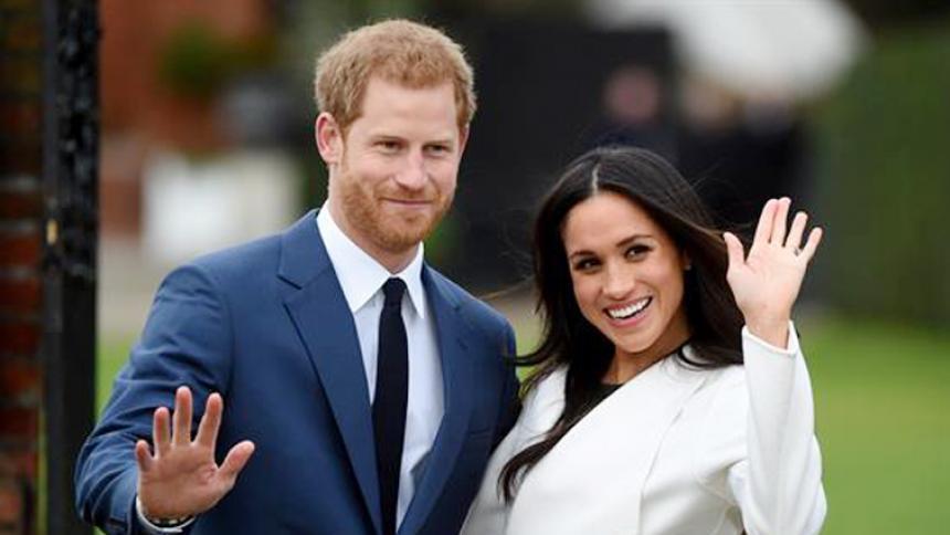 """La reina Isabel II """"encantada"""" con el nacimiento de su bisnieta"""