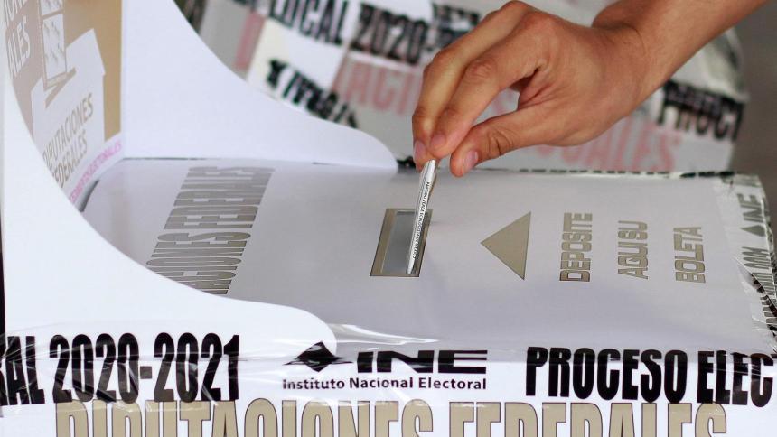 Lanzan cabezas humanas en puestos de votación en México