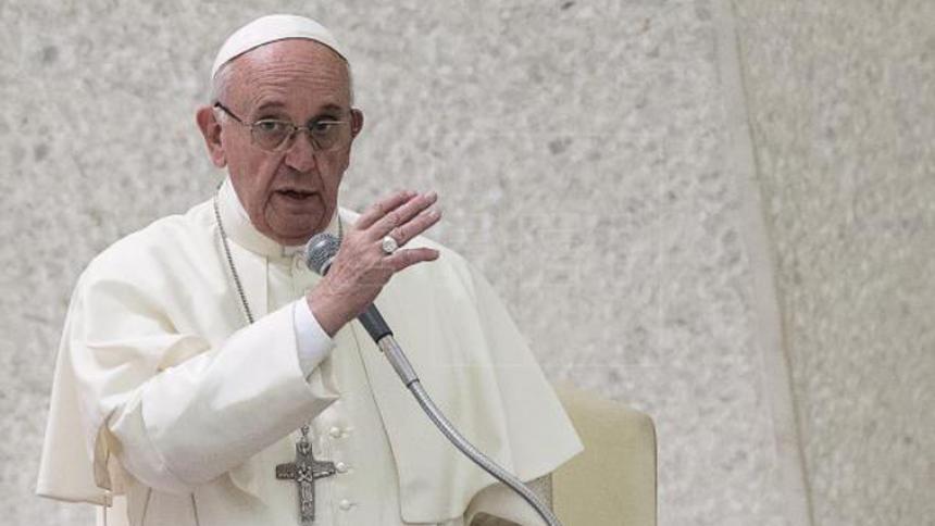 """El papa Francisco rechaza la """"Iglesia de los perfectos"""" y pide acoger a todos"""