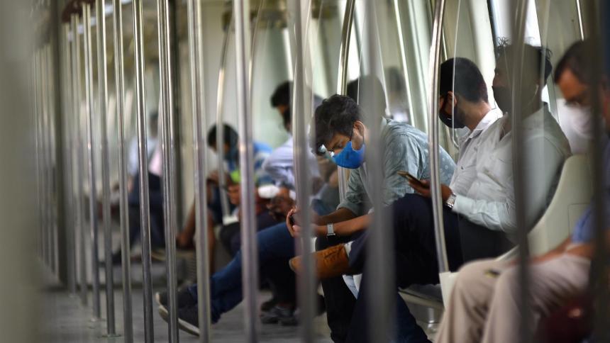 Estudio señala que variante india es un 50 % más transmisible que la británica