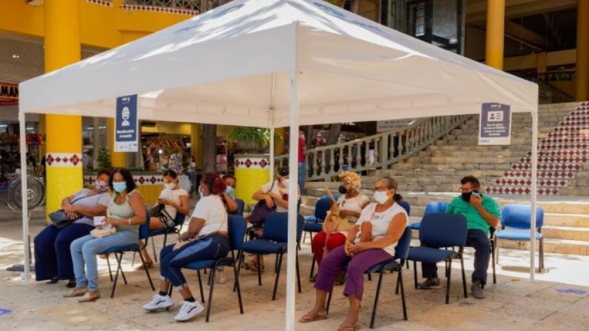 Cartagena suspende vacunación en 4 centros comerciales