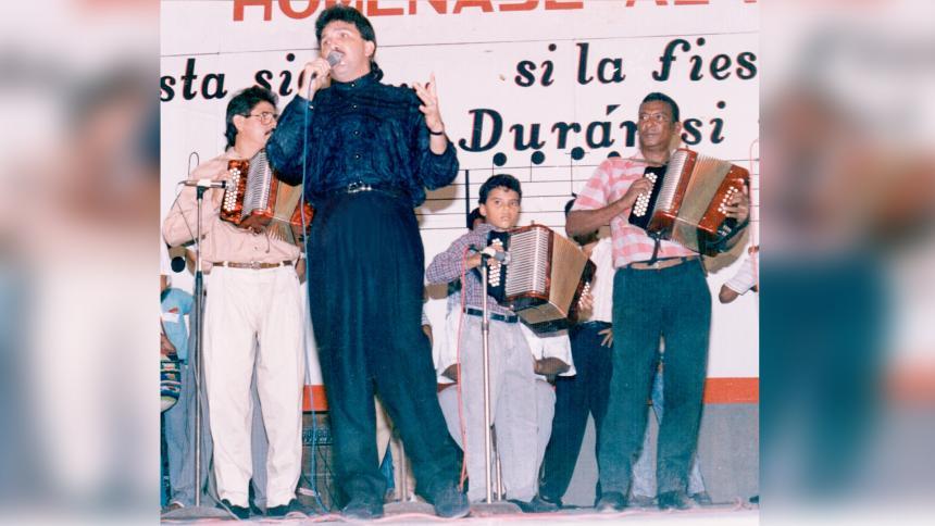 La noche en que Rafael Orozco cantó el Himno Nacional en Festival Vallenato