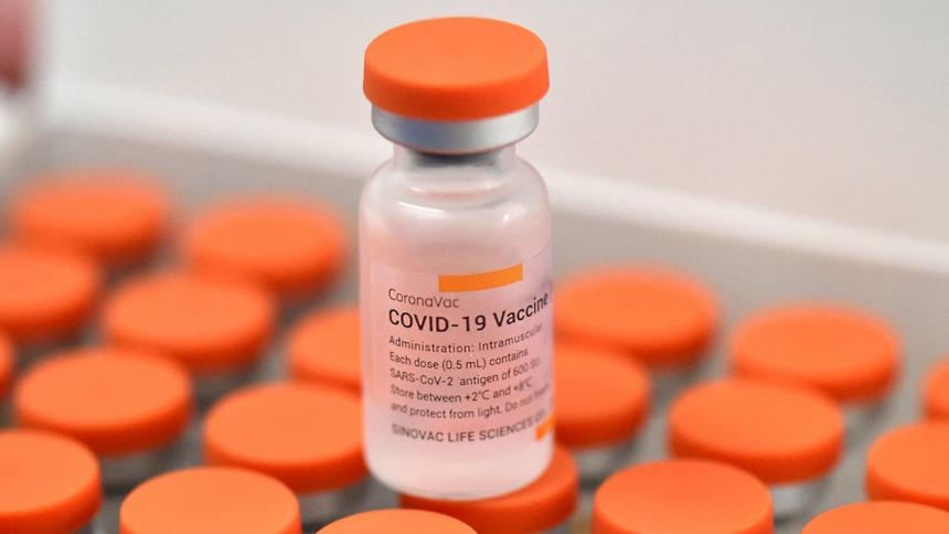 Invima autoriza que vacuna Sinovac pueda ser adquirida por privados